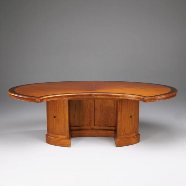 Schreibtisch mit lederoberfl che studio globe wernicke for Schreibtisch 45 grad